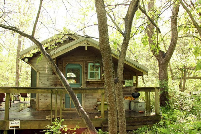 compact cottage platform house (3)