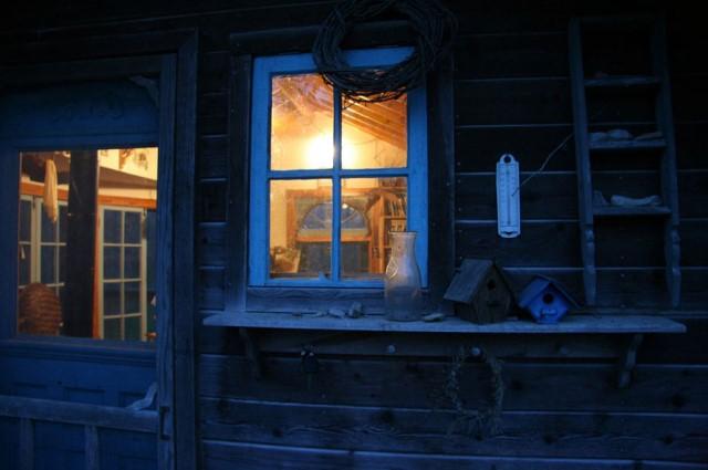 compact cottage platform house (7)