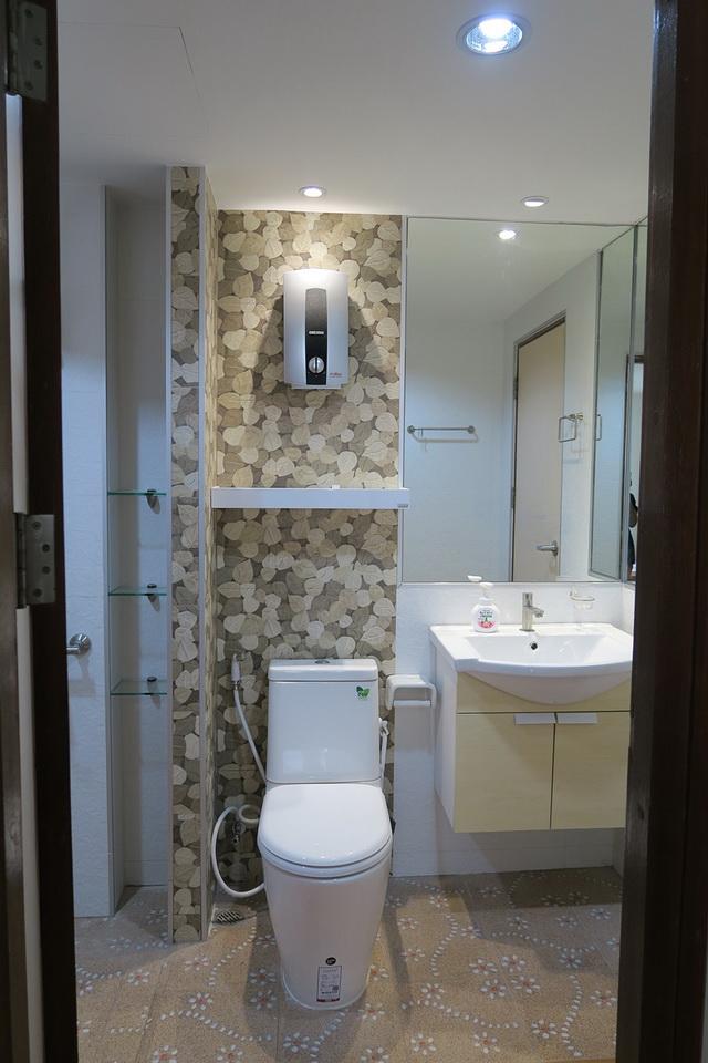 mini restroom renovation review (12)