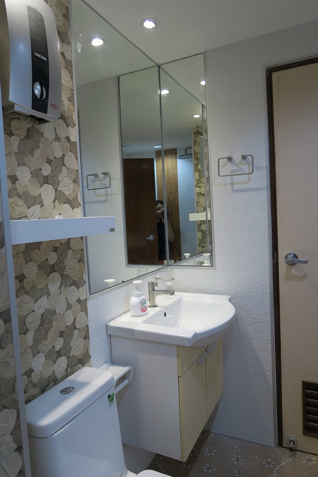 mini restroom renovation review (14)
