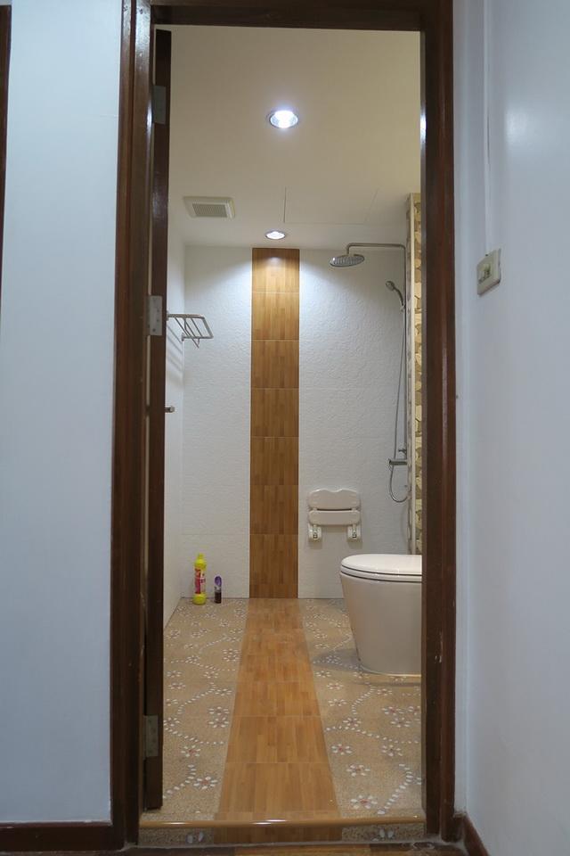 mini restroom renovation review (9)