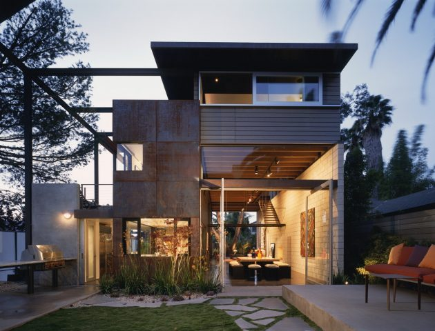 two-story Modern house airy design (11)
