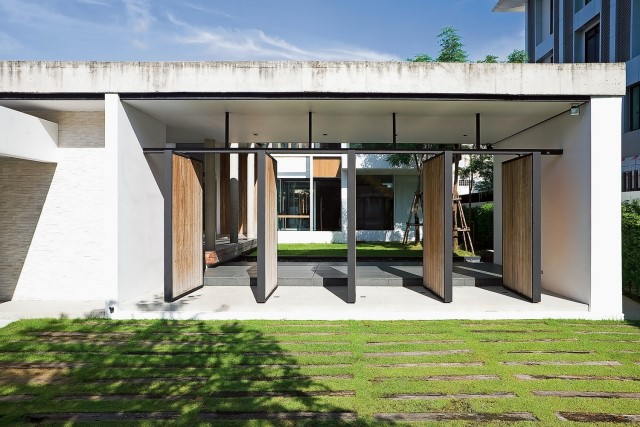 two-story Modern villa house with modern materials (2)
