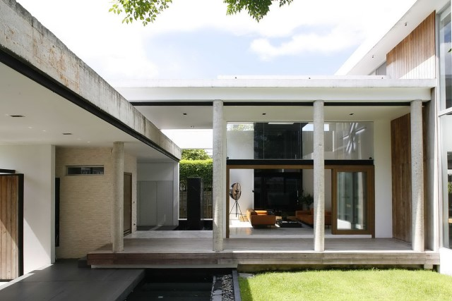 two-story Modern villa house with modern materials (3)
