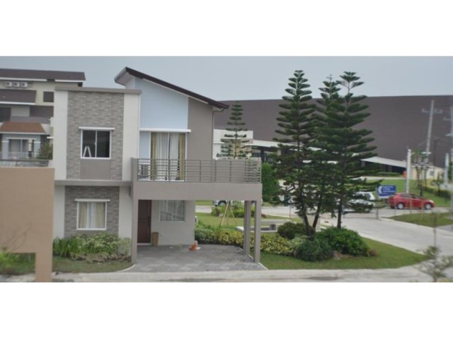 two-story contemporary house 3 bedrooms 2 bathrooms elegant shape (4)