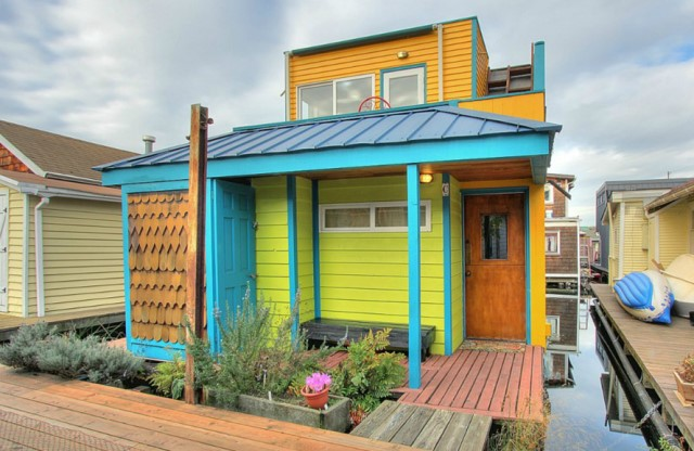 wooden Cottage house in the Bay (7)