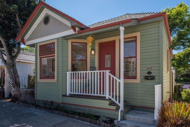 wooden cottage House  (4)