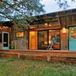 บ้านสวนสไตล์เคบิน ตกแต่งด้วยไม้เก่า ให้อารมณ์แบบบ้านสวน อยู่ในงบ 3 แสนบาท