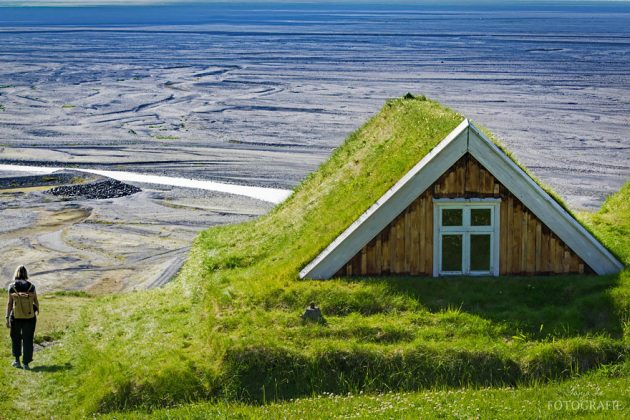 12-scandinavian-homes-with-green-roofs (10)