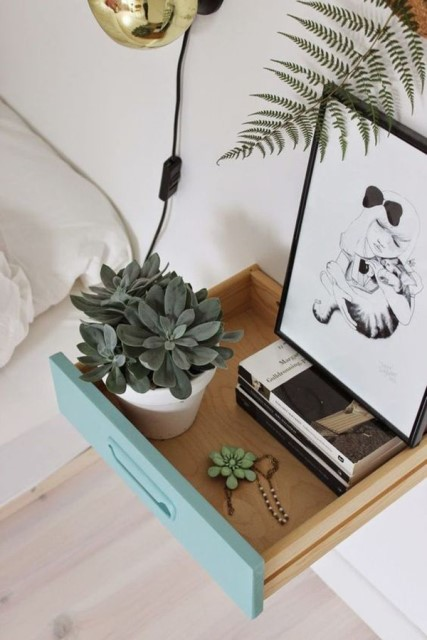 15-ideas-for-small-space-bedside-table (14)