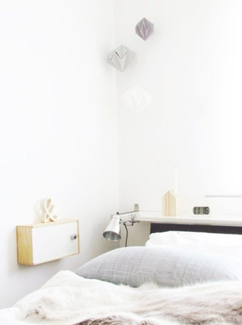 15-ideas-for-small-space-bedside-table (7)