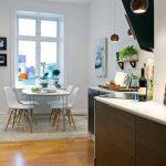 17 โต๊ะอาหาร และพื้นที่ทานอาหาร ตกแต่งโทนสีสว่าง สไตล์มินิมอล บนพื้นที่ที่จำกัด ของบ้านขนาดเล็ก