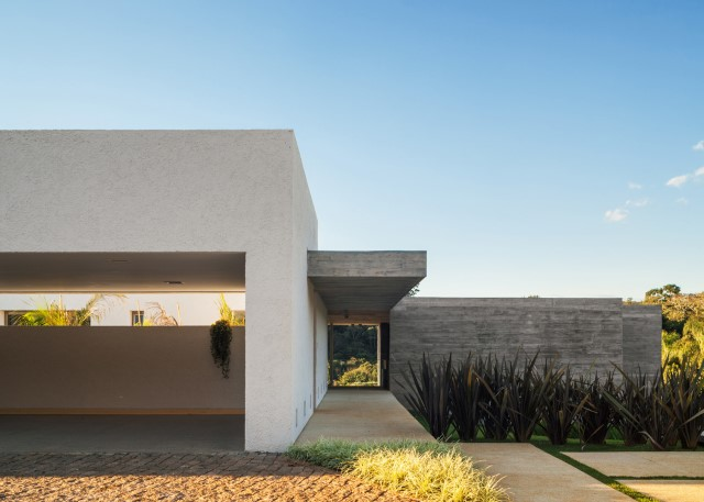 2 story Modern house natural decor (8)