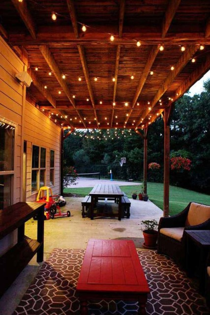 20-amazing-string-lights-outdoor-patio (1)