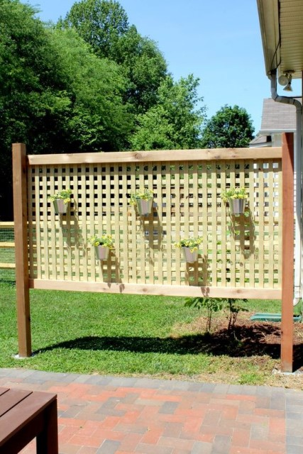24-creative-ideas-for-privacy-screen (22)