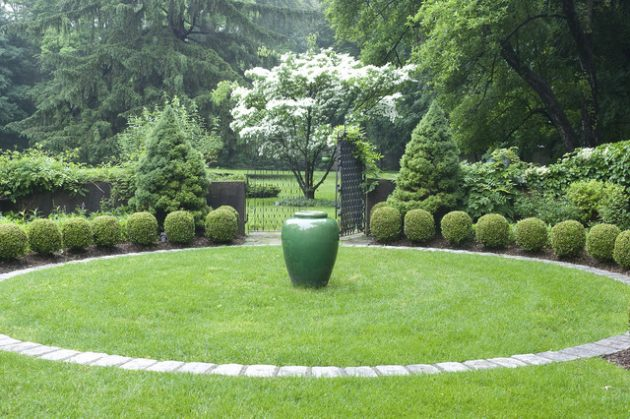 27-gorgeous-ideas-for-properly-decorating-lawn (26)