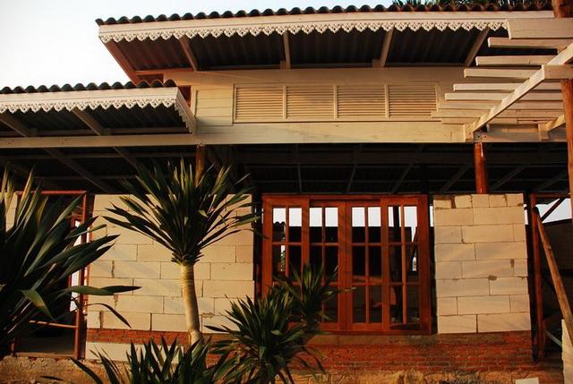 300k concrete house review (14)