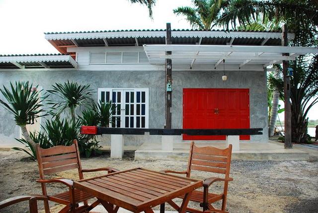 300k concrete house review (75)