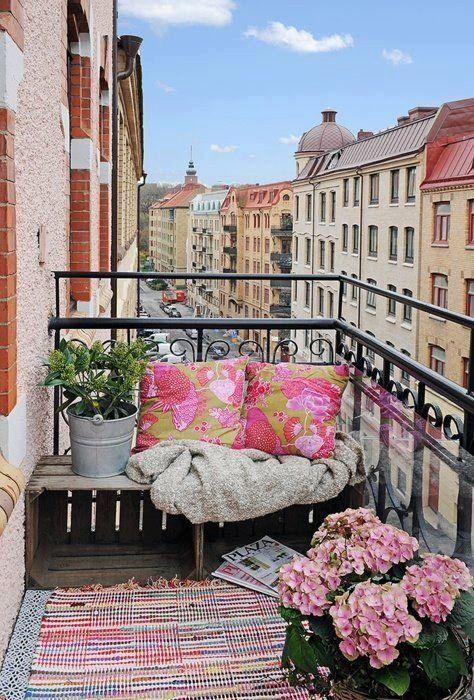 37-attractive-small-balcony-designs (13)