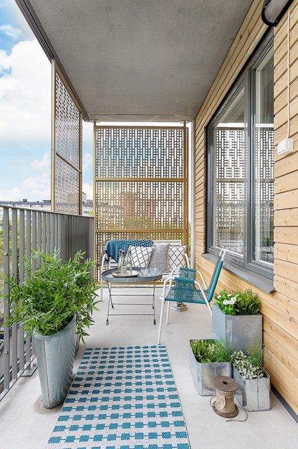 37-attractive-small-balcony-designs (5)