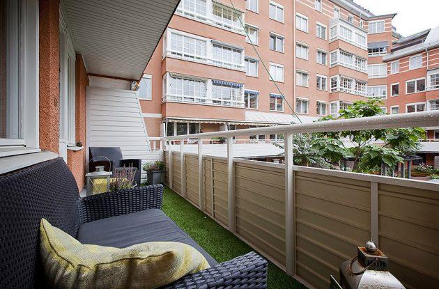 37-attractive-small-balcony-designs (9)