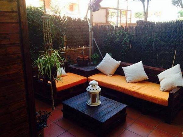 88 pallet sofa ideas (10)