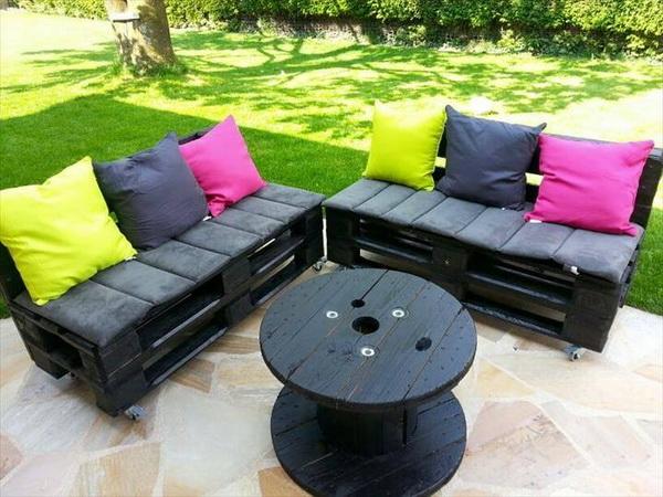 88 pallet sofa ideas (11)