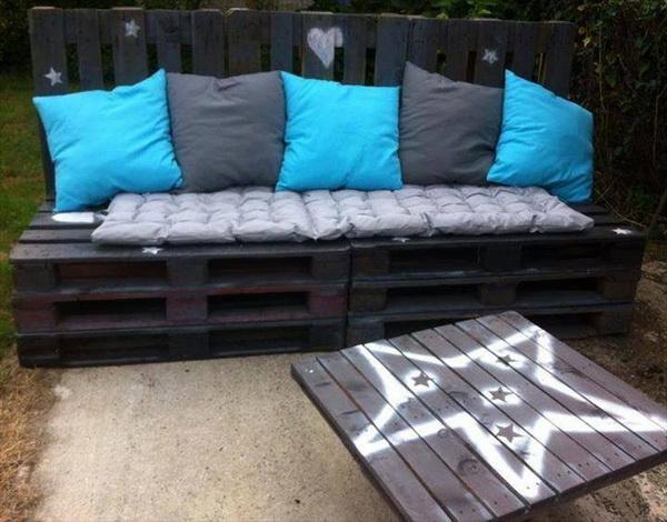 88 pallet sofa ideas (12)