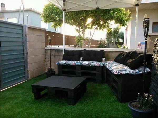 88 pallet sofa ideas (13)