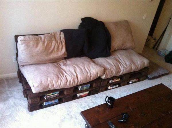 88 pallet sofa ideas (14)