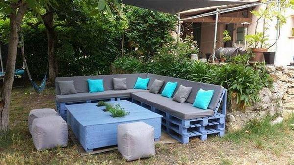 88 pallet sofa ideas (16)