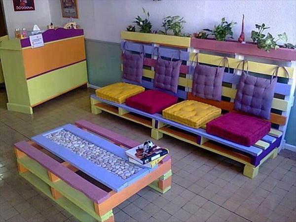 88 pallet sofa ideas (17)