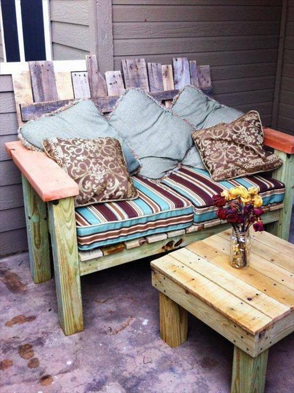 88 pallet sofa ideas (25)