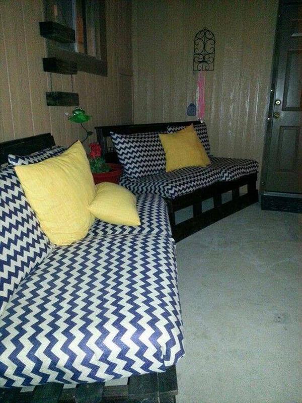 88 pallet sofa ideas (30)