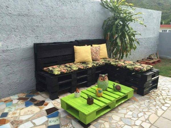 88 pallet sofa ideas (33)