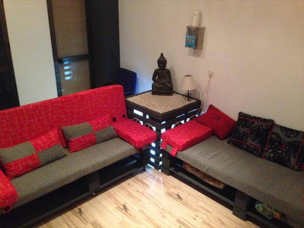 88 pallet sofa ideas (36)