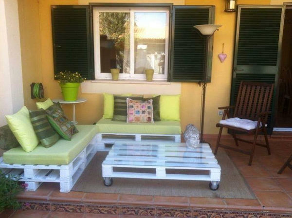 88 pallet sofa ideas (44)