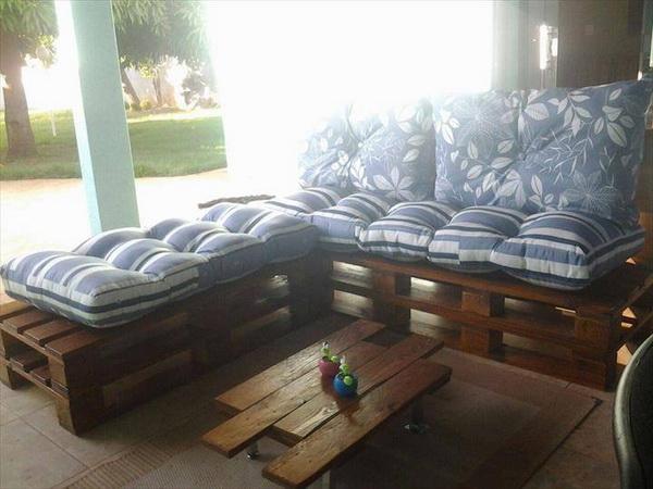 88 pallet sofa ideas (53)