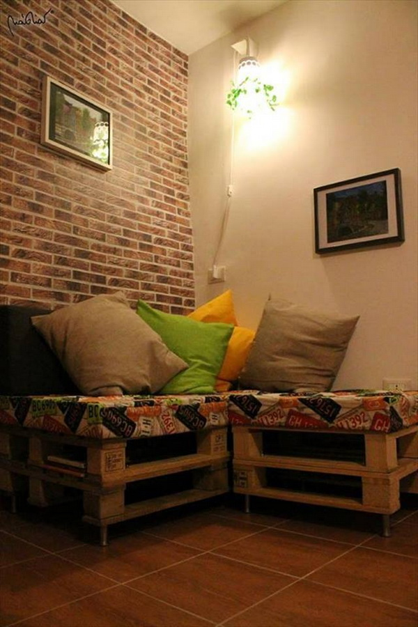 88 pallet sofa ideas (6)