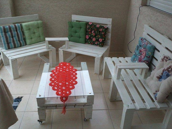 88 pallet sofa ideas (68)