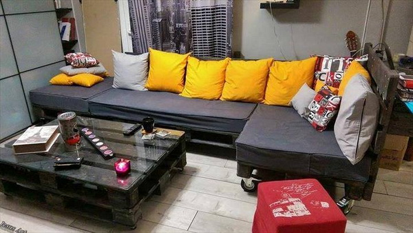88 pallet sofa ideas (8)