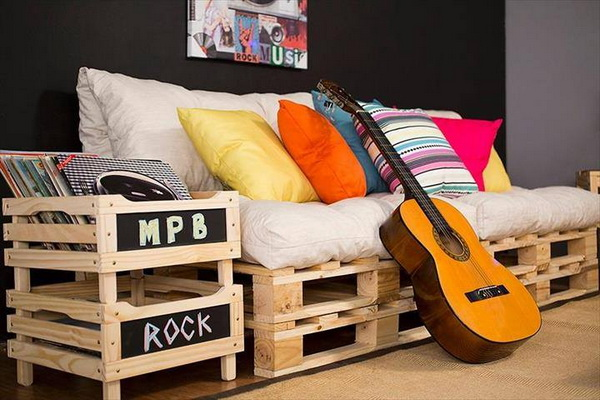 88 pallet sofa ideas (88)