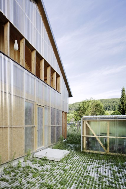 Contemporary villa house Wood decor (12)
