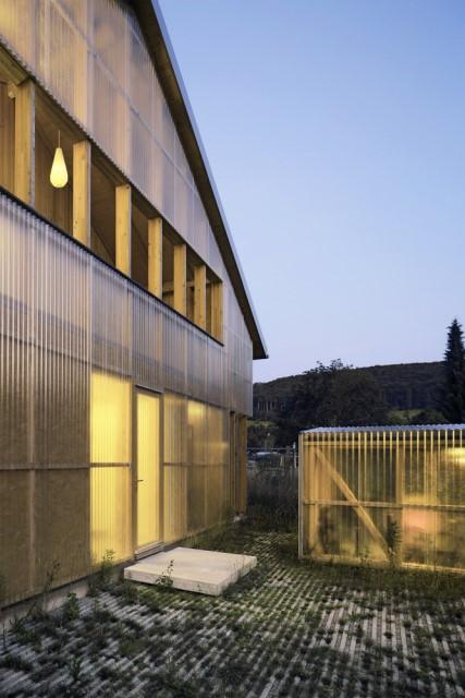 Contemporary villa house Wood decor (13)