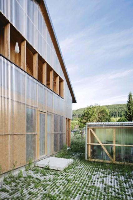 Contemporary villa house Wood decor (8)