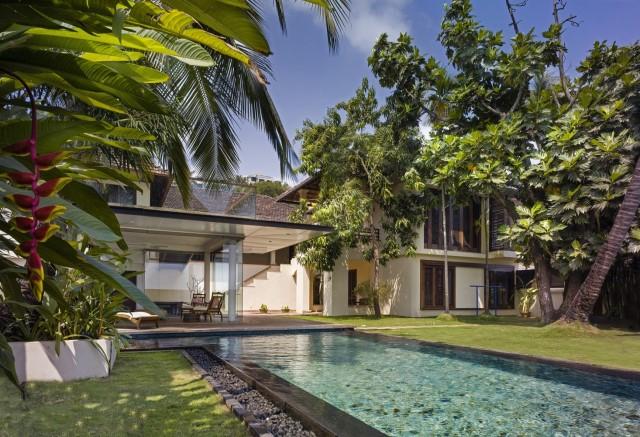 Large villa house Modern retro style (10)