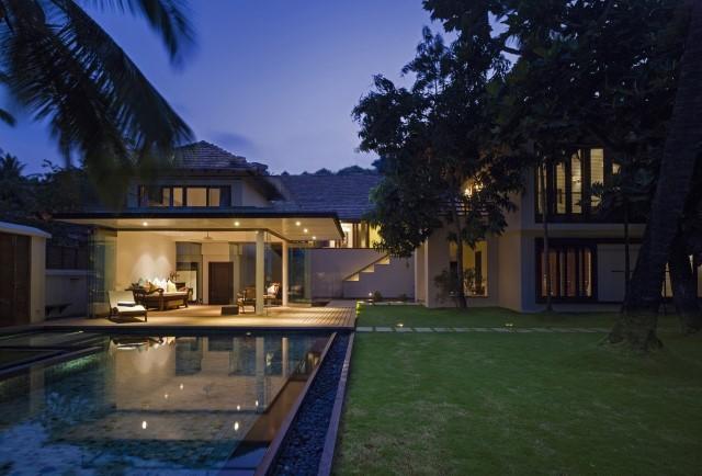 Large villa house Modern retro style (2)
