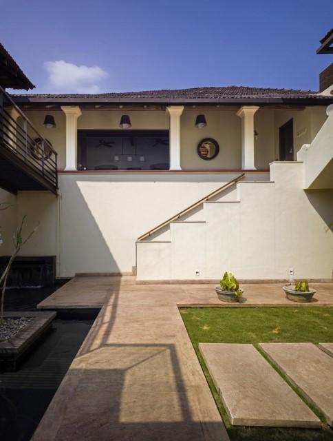 Large villa house Modern retro style (3)