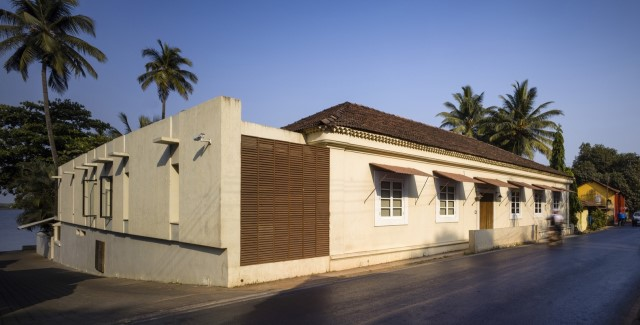 Large villa house Modern retro style (6)