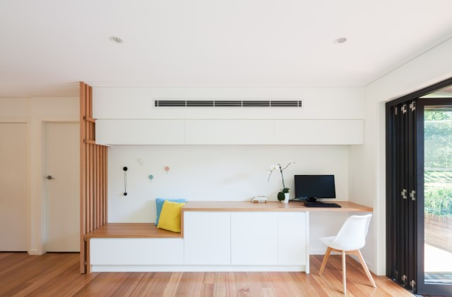 Modern contemporary house with wooden battens minimalist airy (13)